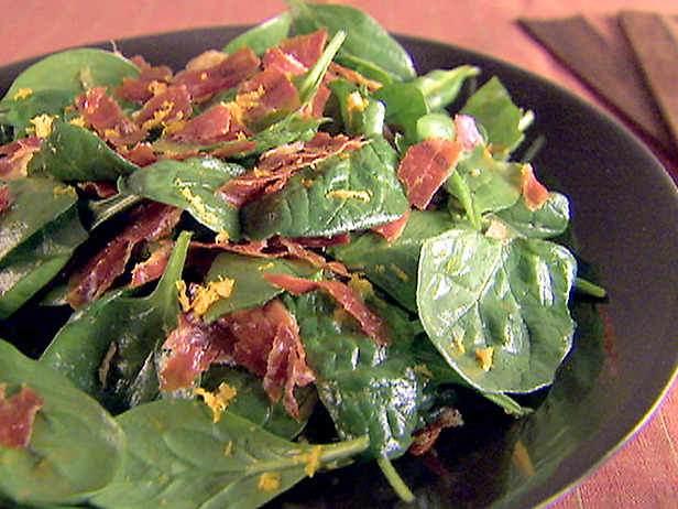 Spinach salad with orange basil