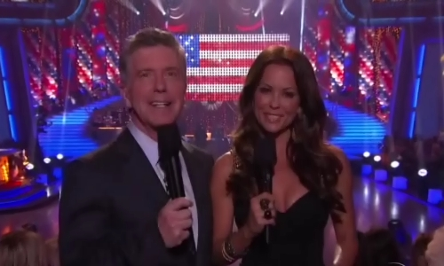 Tom and Brooke get the show started.