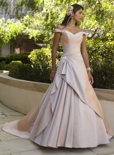 Non-Traditional Wedding Dresses: Dress Ideas for the Non ...