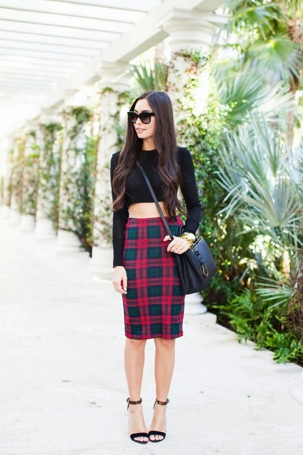 crop top outfits for girls (30)