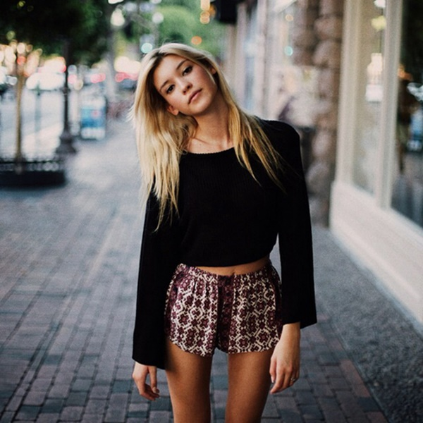 crop top outfits for girls (88)