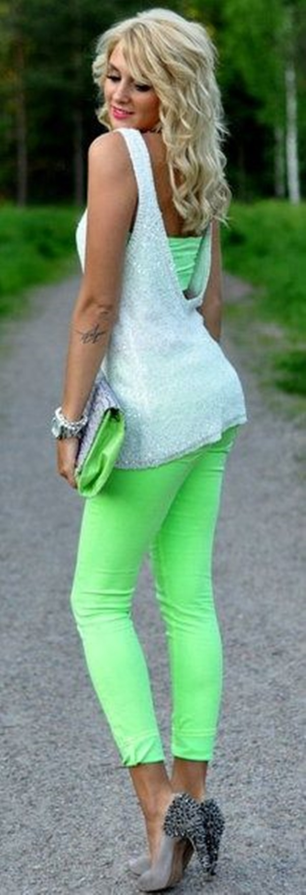 neon outfits (45)