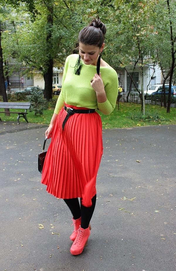neon outfits (66)