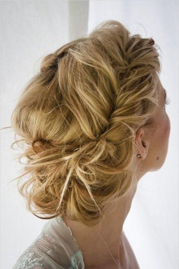 messy-bun-hairstyles-18
