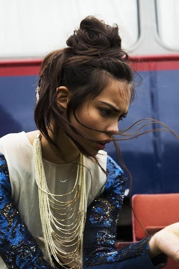 messy-bun-hairstyles-22