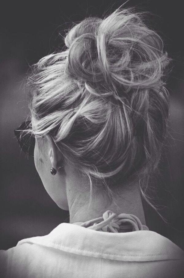 messy-bun-hairstyles-26