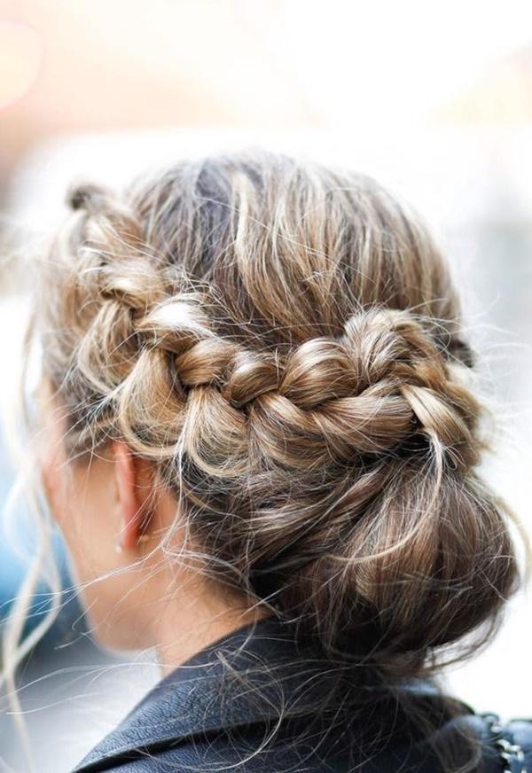 messy-bun-hairstyles-5