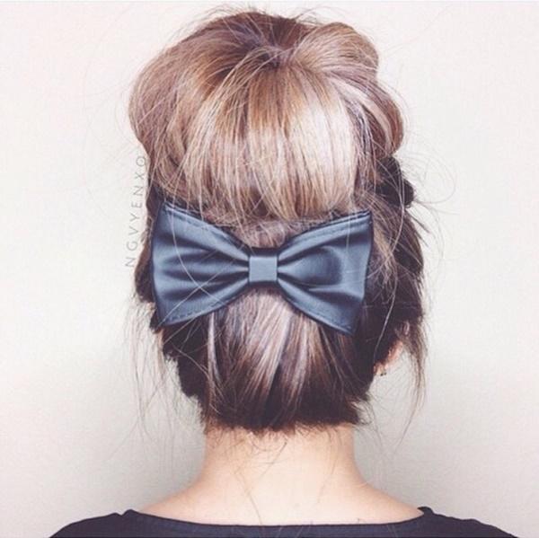 messy-bun-hairstyles-97