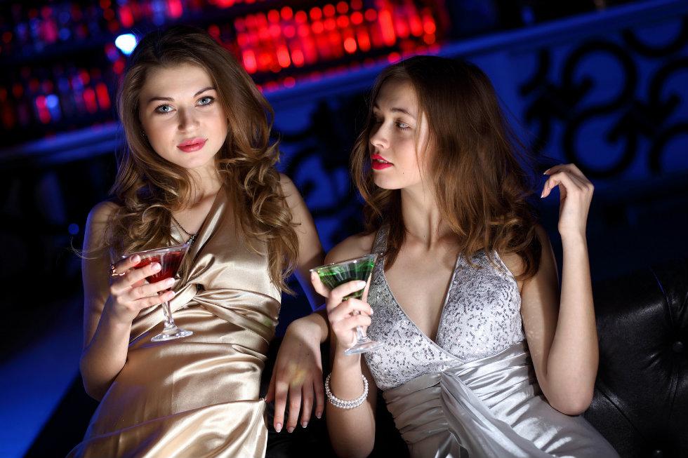 Снять женщину в клубе