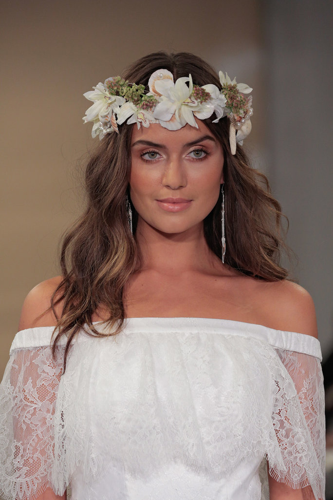 If It Seems Too Rad For Your Taste Careforhaircouk Has A Catalog Of Wedding Hairstyles That Would Complement Any Personality Laidback Boho Chic