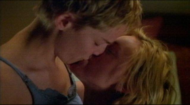 Sarah michelle gellar lesbian kiss tata tota lesbian blog