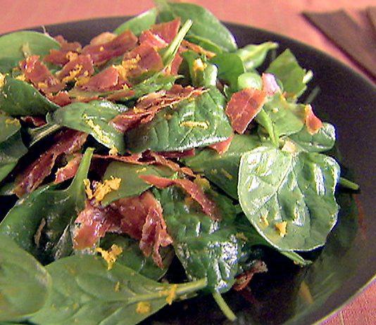 Spinach salad with orange basil