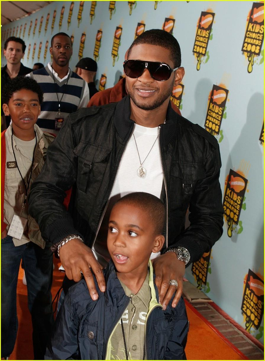 10 Hot Celebrity Dads