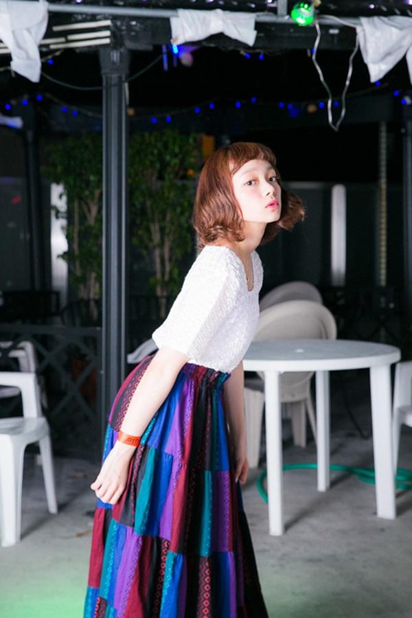 girls in long skirt (74)