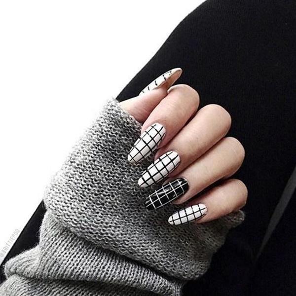 black-and-white-nail-art-87