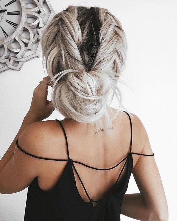 messy-bun-hairstyles-15