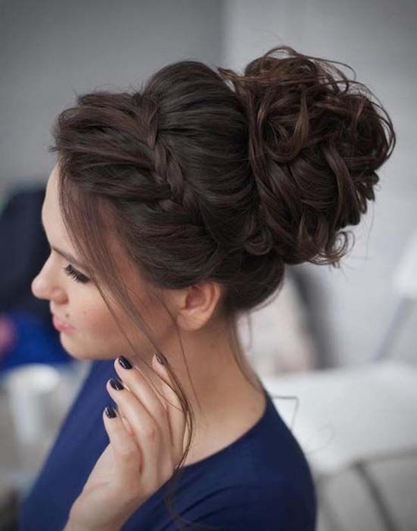 messy-bun-hairstyles-37