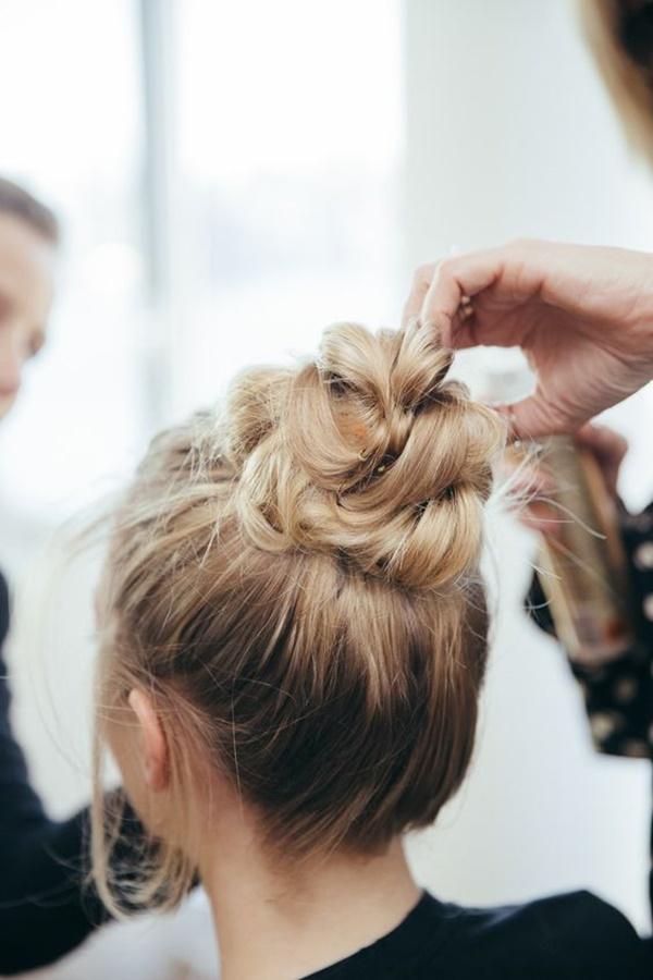 messy-bun-hairstyles-7