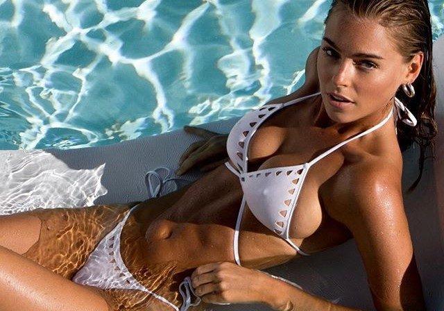 Elizabeth Turner - Bikini