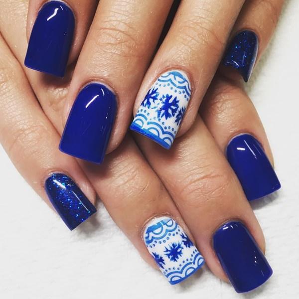 Winter blue acrylic nails design