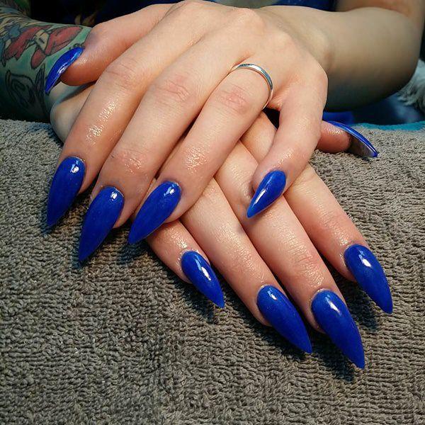 Stunning blue fake nails design