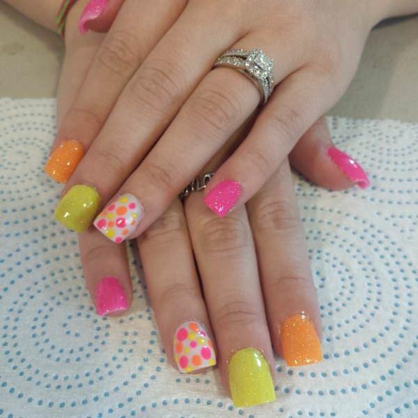 Very girlish fake nails design