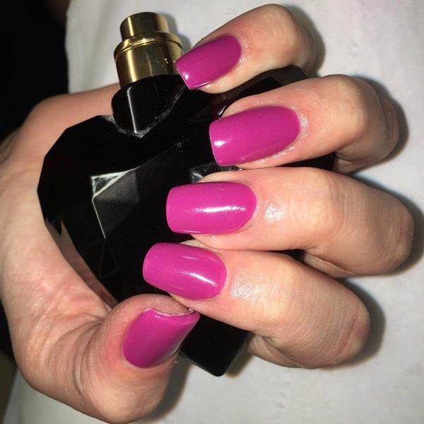 Pure dark pink artificial nails design