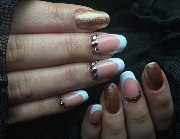 Gold dominance fake nails