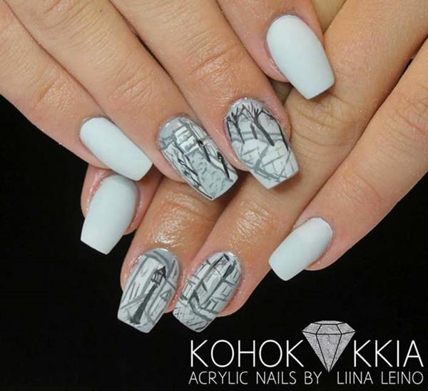 Sketchy nails design