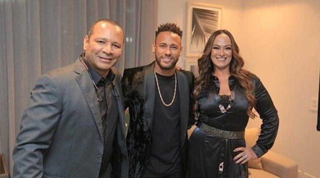 Neymar Jr and his parents